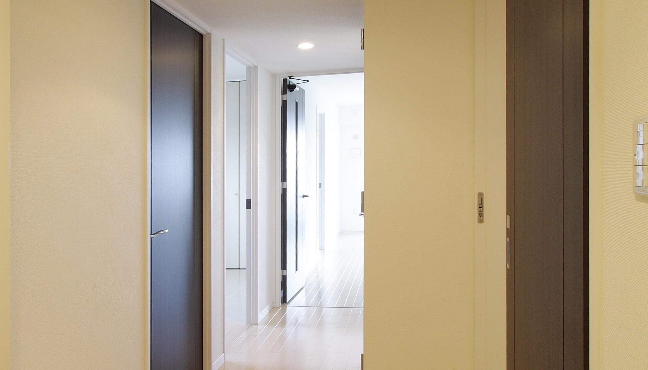 Cre is que vale la pena lacar las puertas de madera for Cuanto vale una puerta de madera